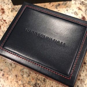 Tommy Hilfiger Accessories - 🆕🆕Tommy Hilfiger Leather Wallet & Valet